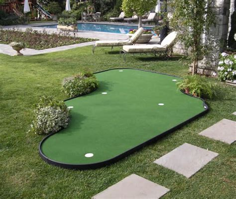 Putting Green For Backyard by 28 Outdoor Indoor Putting Greens Mats Designs Ideas