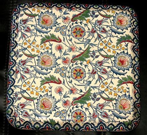 ancien dessous de plat en faience de gien decor fleuri en excellent etat ceramica