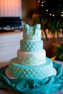 turquoise wedding cakes it