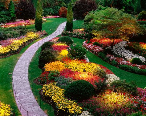 how to arrange a flower bed garden flower arrangements ideas landscaping gardening