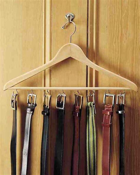 comment accrocher un porte jarretelle comment faire un porte ceintures hyper pratique pour presque rien