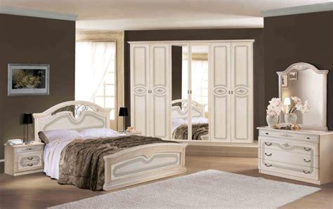 ladari per camere da letto classiche camere da letto classiche arredamenti di lorenzo napoli