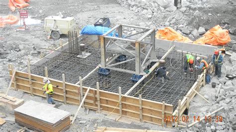 design squish concrete base tower crane base
