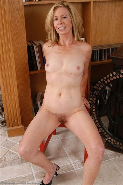 Marie Kelly – 55 Year Old Blonde Thumb