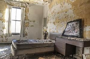 Al Light Bulbs Abandoned Asylum An Autopsy Of America 39 S Most Creepiest