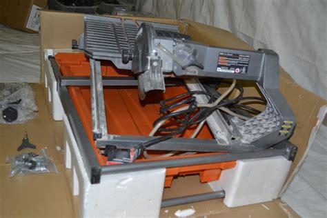 ridgid 7 in tile saw with stand