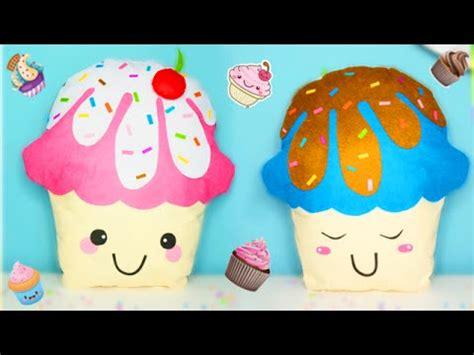 ideas diy room decor cojines kawaii en forma de cupcakes
