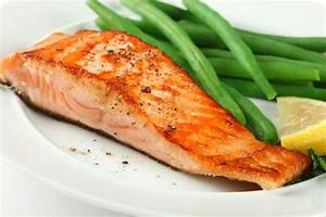 Grilled Salmon Fillets with Roasted Red Pepper Sauce ...