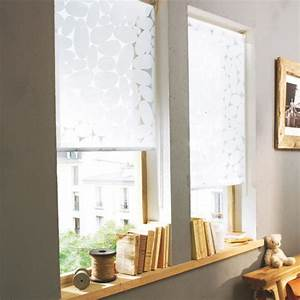 Store Enrouleur Blanc : store tamisant enrouleur blancs avec motif galets photo 1 ~ Edinachiropracticcenter.com Idées de Décoration
