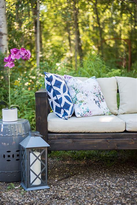 build  diy outdoor sofa video  diy mommy