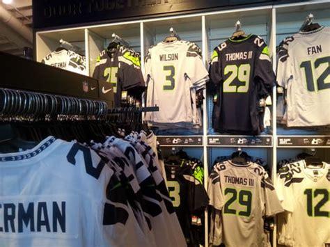 seattle seahawks pro shop   sports wear sodo
