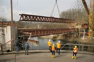 Was Kostet Ein Stahlträger : 320 tonnen tragen den zug ber den neckar zwischen ~ Michelbontemps.com Haus und Dekorationen