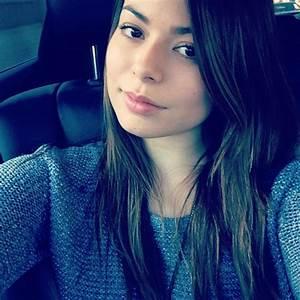 Miranda Cosgrove Cute in instagram pic-01 - GotCeleb