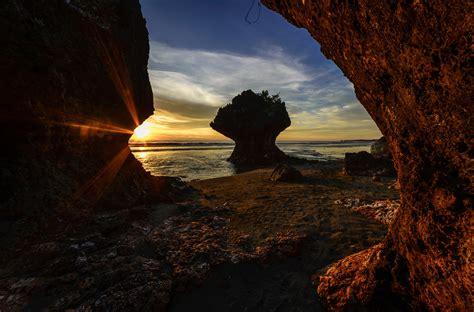 The Umbrella Rock | Shutterbug