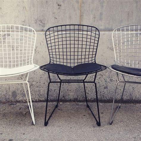 chaise bertoia blanche 77 best l 39 univers meubles design meubles design 39 s universe images on cosmos