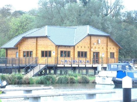 Boat House Marina Village 2 bedroom house boat for sale in roydon leisure park