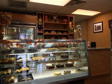 foto de Temptations Picture of Rispoli Pastry Shop Staten