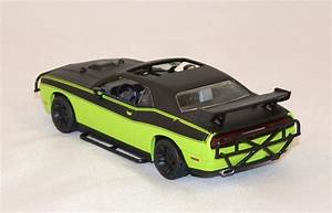 Dodge Challenger srt-8 fast and furious 7 greenlight 1/43