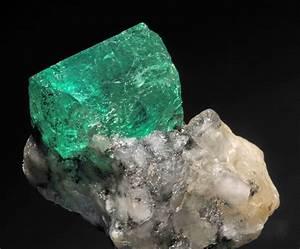 Emerald - Wikipedia  Emerald