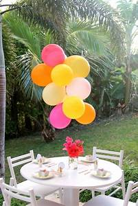 9 Decorative Balloon Chandelier Ideas