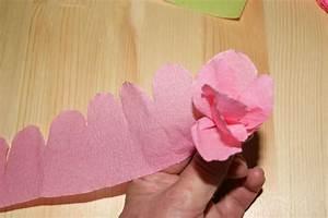 Comment Faire Une Rose En Papier Facilement : diy faire des fleurs en papier cr pon les p 39 tites ~ Nature-et-papiers.com Idées de Décoration