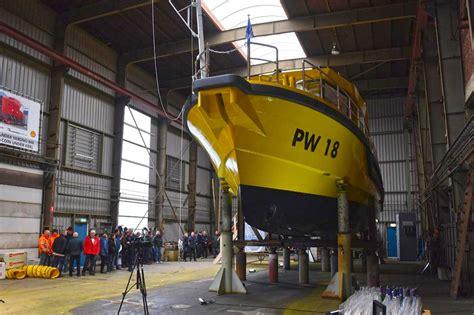 pw nieuw elektrisch inspectievaartuig van provincie