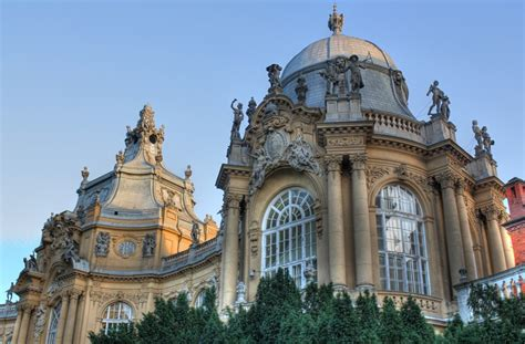 Stunning Architecture in Budapest | Never Ending Footsteps