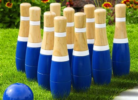 Backyard Bowling Set by Lawn Bowling Set 11 Low Cost Buys To Boost A Boring