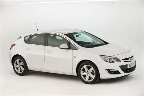 Used Vauxhall Astra Review Pictures Auto Express
