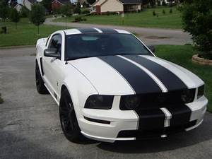 Photos | 2009 Ford S197 Pony [Mustang] GT For Sale