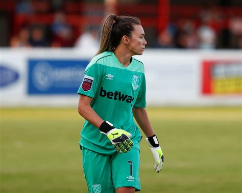 #ContiCup: West Ham Women make Royals pay for penalty ...