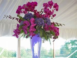 Fresh Floral Arrangements - Wisteria Flowers and Gifts