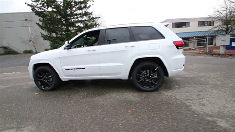 jeep grand cherokee altitude 2017 2017 jeep grand cherokee altitude bright white clearcoat
