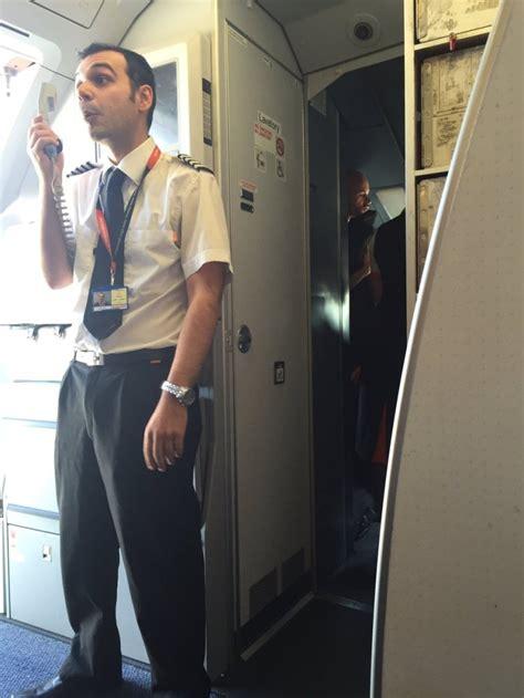 easyjet cabin crew easyjet flight delayed because cabin crew started fighting