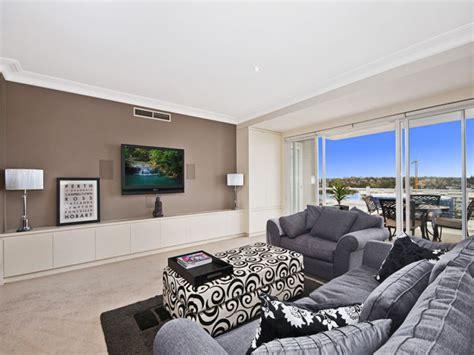 open plan living room  white colours  carpet