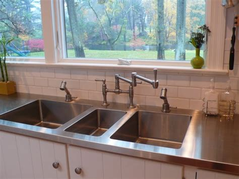 stainless steel countertop   integral sinks