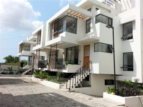 Luxury 5 Bedrooms Town houses for rent in ghana Penny