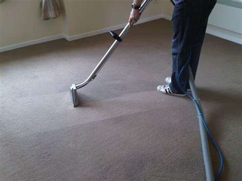 carpet cleaning services by cleaning experts in poplar