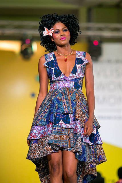 modele robe africaine moderne le pagne tissu africain tenue africaine le wax robes africaines cire
