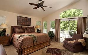 Traditional, Bedroom, Theme, For, Warm, And, Friendly, House