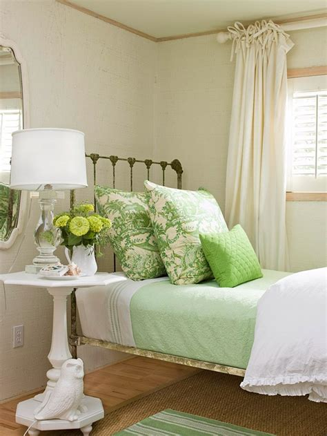 spring inspired fresh  colorful bedroom designs