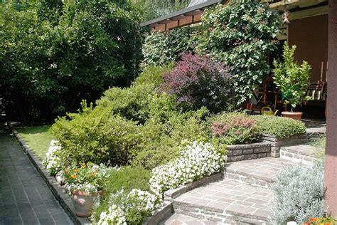 giardini e aiuole realizzazione aiuole a e provincia bersani giardini