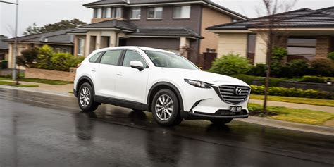 Mazda 3 2020 Uae by Volvo Xc60 Review Uae 2018 2019 2020 Ford