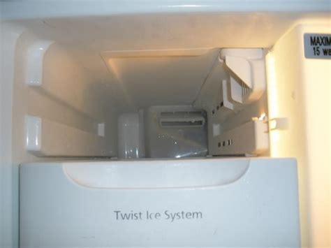 Samsung Refrigerator RB2055SL ? Ice Forming Inside Freezer