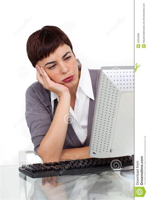 affaires de bureau femme d 39 affaires ennuyée à bureau image libre de