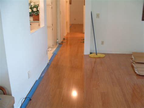 Laminate Flooring: Lay Padding Laminate Flooring