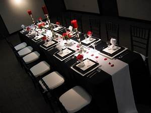 Table-Decoration-Ideas-Black-And-White