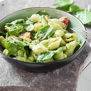 Salat Mit Spinat : gr ner nudel spinat salat mit avocado dressing ~ Orissabook.com Haus und Dekorationen
