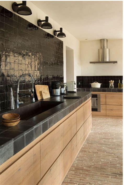 cuisine amenagee obsession une cuisine aménagée bois et noir kitchens