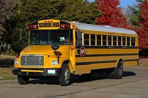 Why Are School Buses Yellow? | Wonderopolis